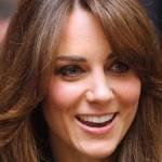 Kate Middleton e seu novo corte de cabelo: franja longa.