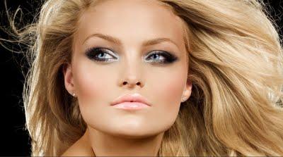 como-usar-iluminador-Dicas-de-maquiagem-para-pele-perfeita-e-iluminada
