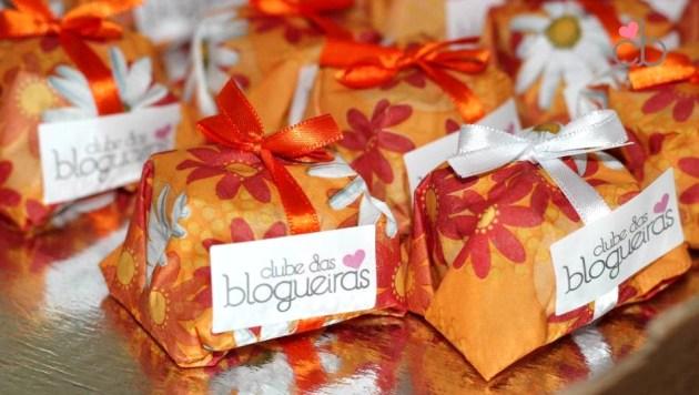aniversário solidário clube das blogueiras alessandra faria estilo e maquiagem