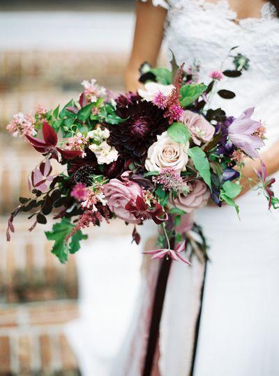 buquê-de-rosas-colorido-para-noivas 2