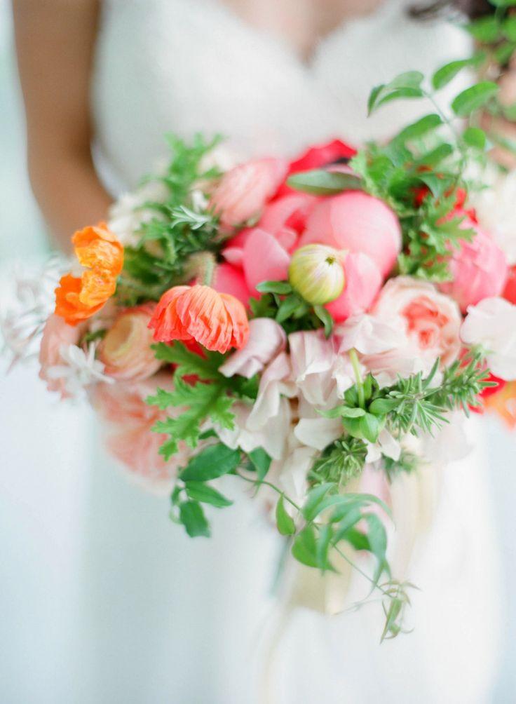 buquê-de-rosas-colorido-para-noivas 4