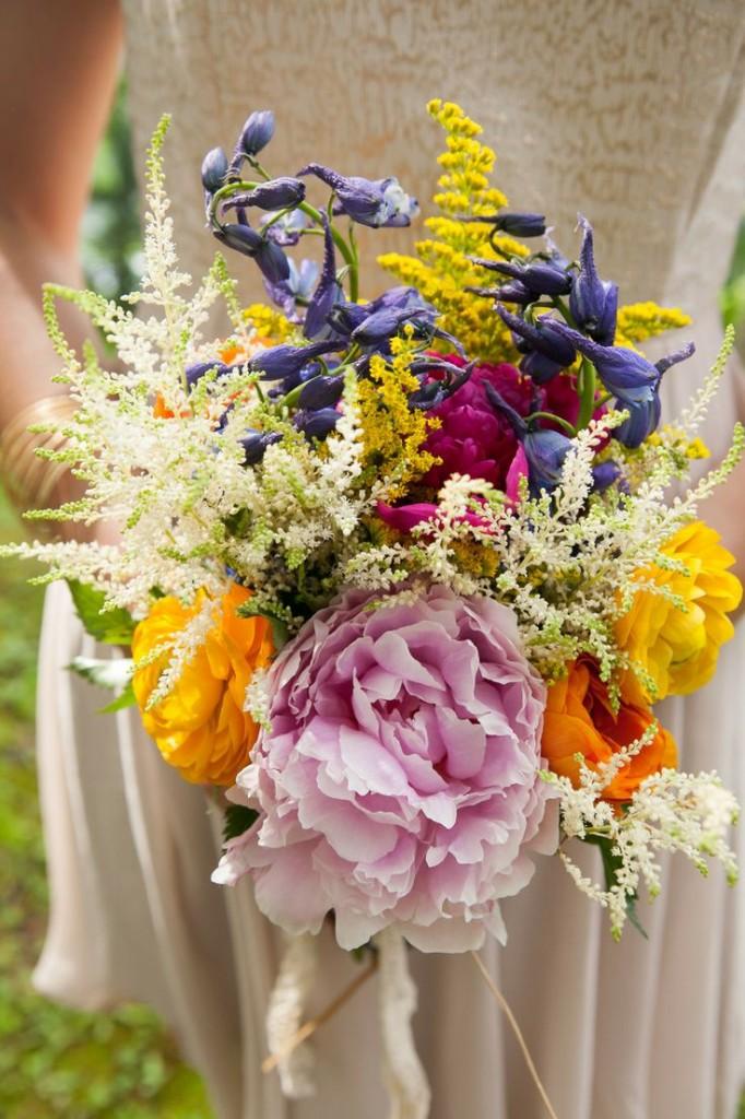 buquê-de-rosas-colorido-para-noivas 5