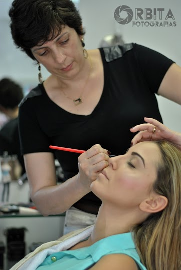 curso de maquiagem profissional em BH alessandra faria estilo e maquigem8
