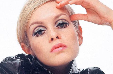 dicas de maquiagem: sombra prata a la Twiggy
