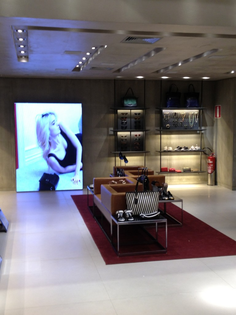 arezzo reinaugura loja do diamond mall alessandra faria estilo e maquiagem