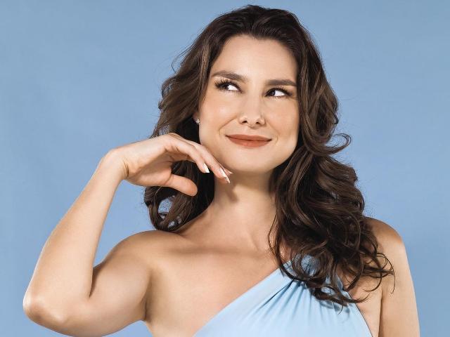 4c3783c3e2e6a Saiba como identificar seu formato de rosto. - Alessandra Faria