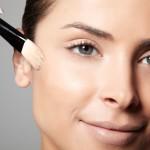 Dicas de maquiagem para pele oleosa em dias de calor!