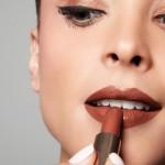 Dicas de maquiagem: batom roxo e marrom!