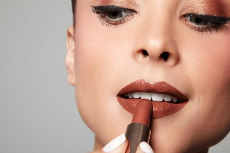 dicas-de-maquiagem-batom-marrom