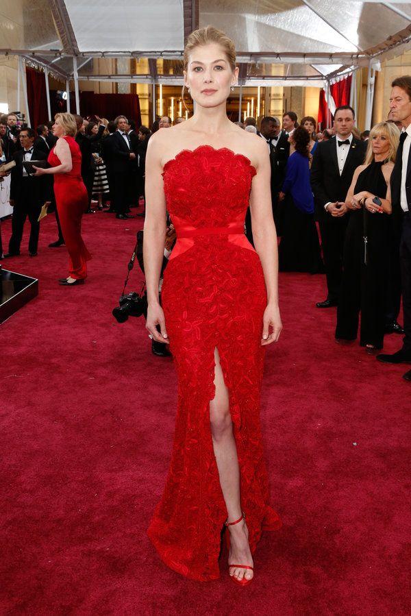 red-carpet-oscar-2015-melhores-momentos-rosamund-pike