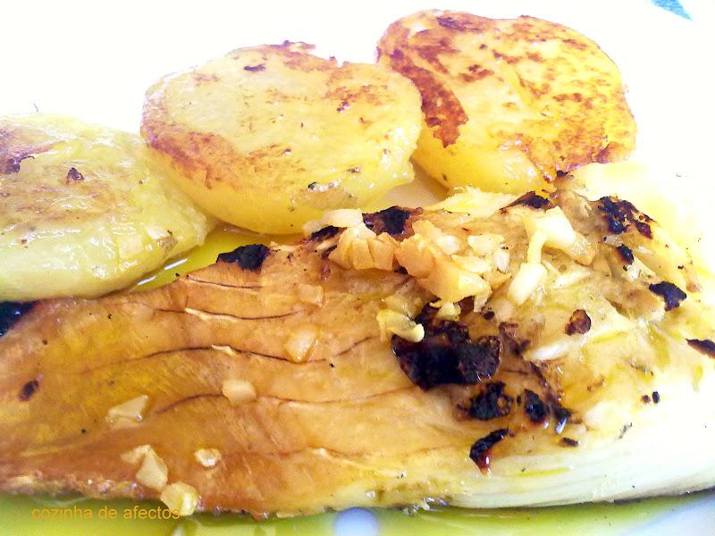 receita-de-bacalhau-assado-com-alho-e-azeite2