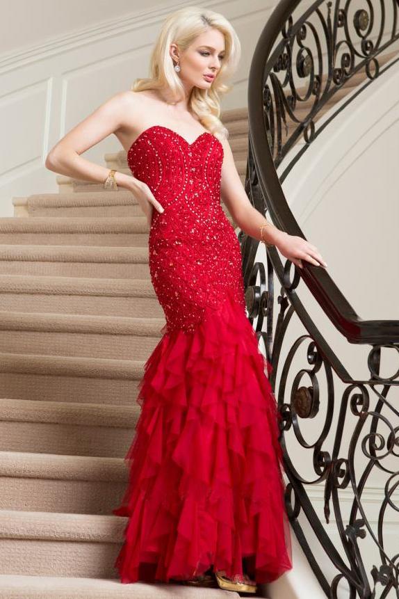 dress-code-casamento-o-vestido-vermelho-para-madrinha