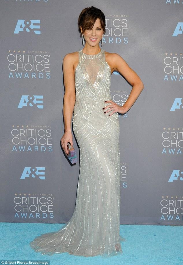 maquiagem_Kate-Beckinsale-Dress-Critics-Choice-Awards-2016 2