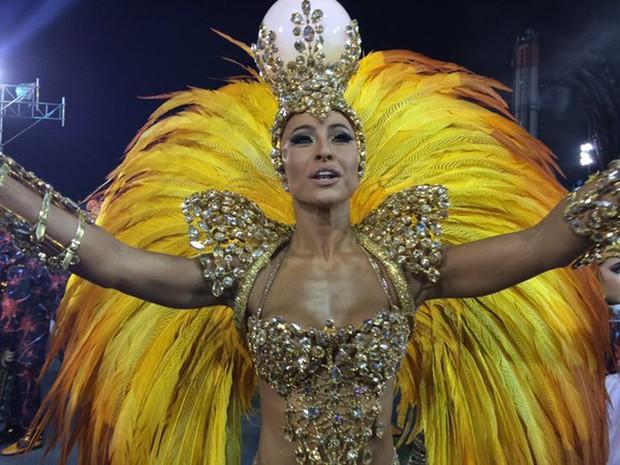sabrina_sato_rainha_de_gaviões_da_fiel_carnaval_16