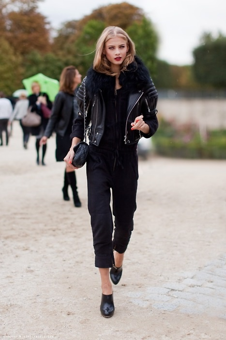 all-black-model-street-style_dia_de_rock_bebê