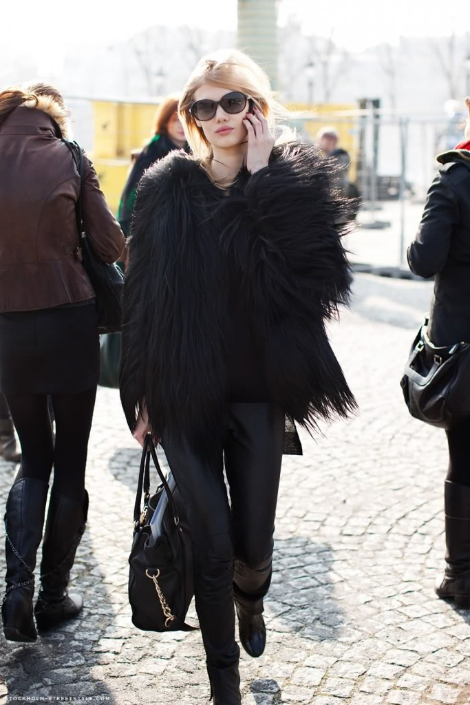 all-black-model-street-style_dia_do_rock_bebê 3