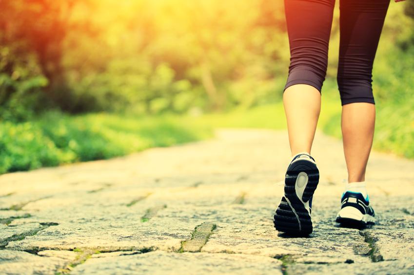 atividades_físicas_exercícios_físicos_emagrecimento_saúde_e_bem_estar_caminhada