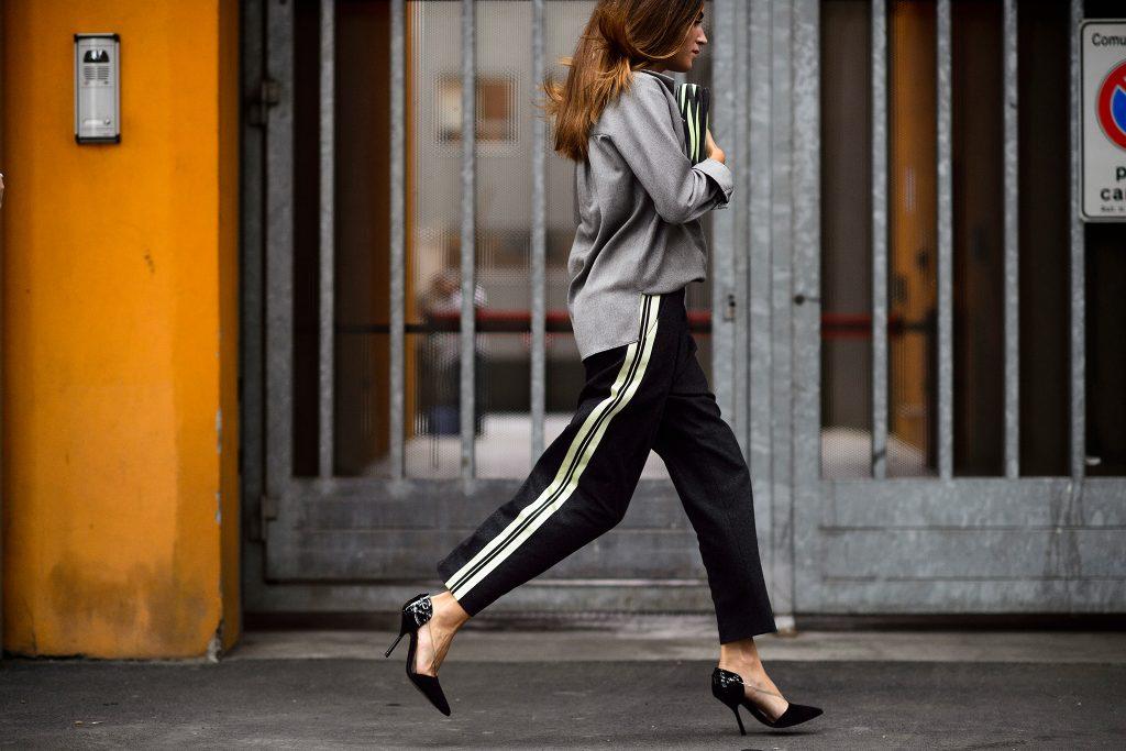 calca_esportiva_tipo_adidas_joguer_pants_street_style_por_alessandra_faria3