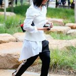 calca_esportiva_tipo_adidas_joguer_pants_street_style_por_alessandra_faria6