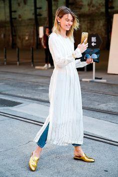 vestido_com_calca_sobreposicoes_verao_17_street_style3