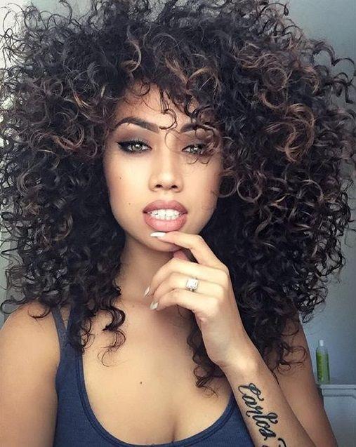 cabelos_cacheados_com_franja