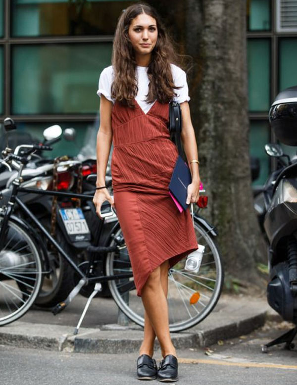 vestido_com_camiseta_tee_sobreposicoes_verao_17_street_style2