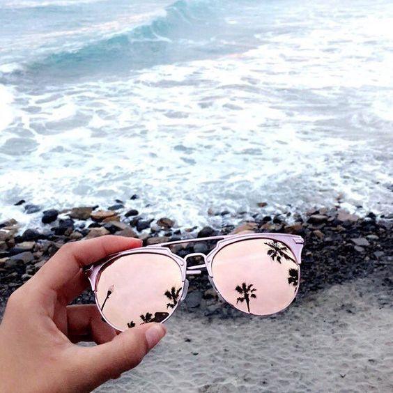 acessórios_que_não_podem_faltar_na_praia_óculos_de_sol_coloridos3