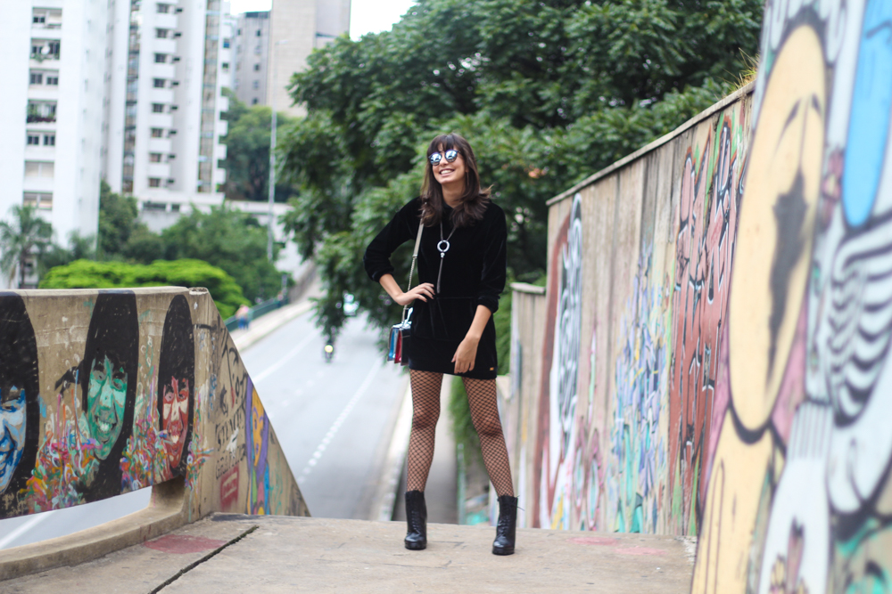 velvet_black_dress_look_do_dia_spfw43_street_style_por_alessandra_faria2