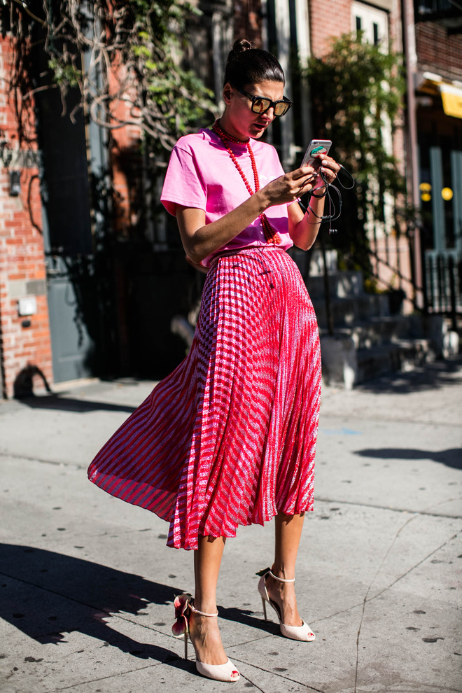 red_and_pink_street_style_trend_winter17_por_alessandrafaria2