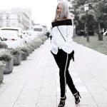 Side stripe pants trend alert!