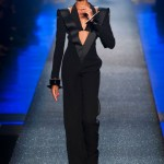 Jean Paul Gaultier relembra a música e a moda dos anos 80.