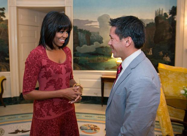 novo-corte-de-cabelo-de-michelle-obama-franja-alessandra-faria-estilo-e-maquiagem