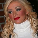 Dicas de maquiagem: como aplicar blush corretamente.