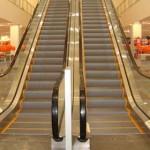 Uso correto de esteiras e escadas rolantes.