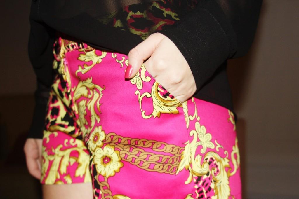as cores rosa e amarelo