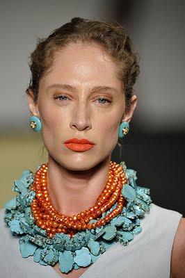 as cores turquesa com coral