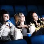 Domingo é dia de cinema e pipoca.
