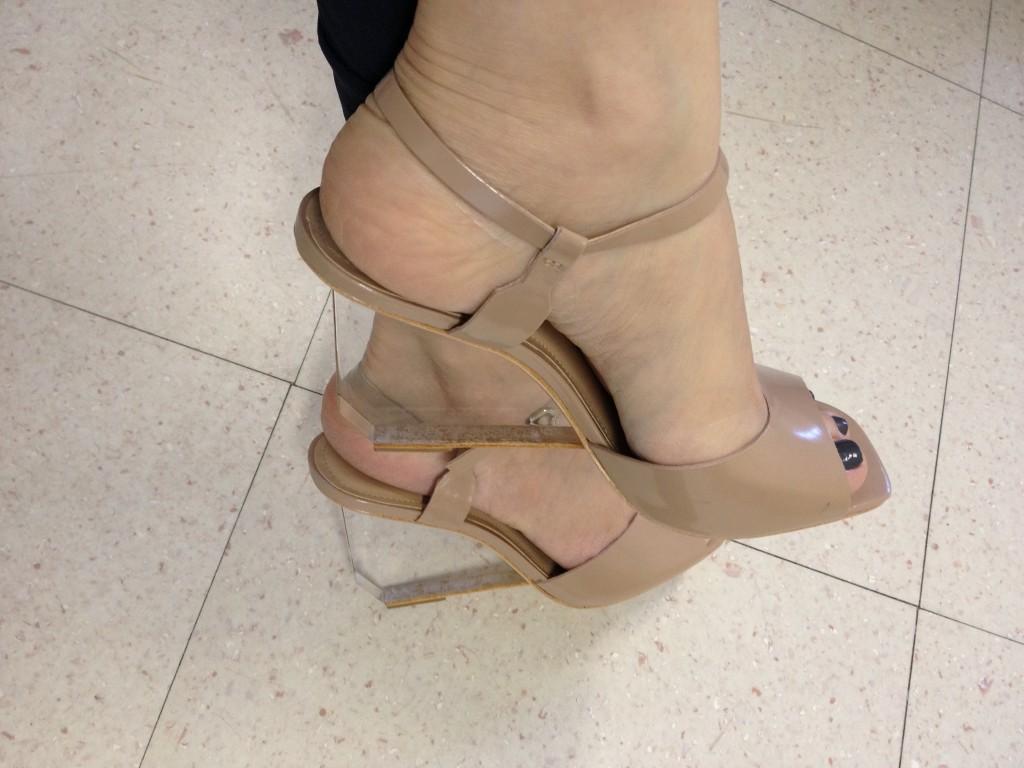 Detalhe da sandália.