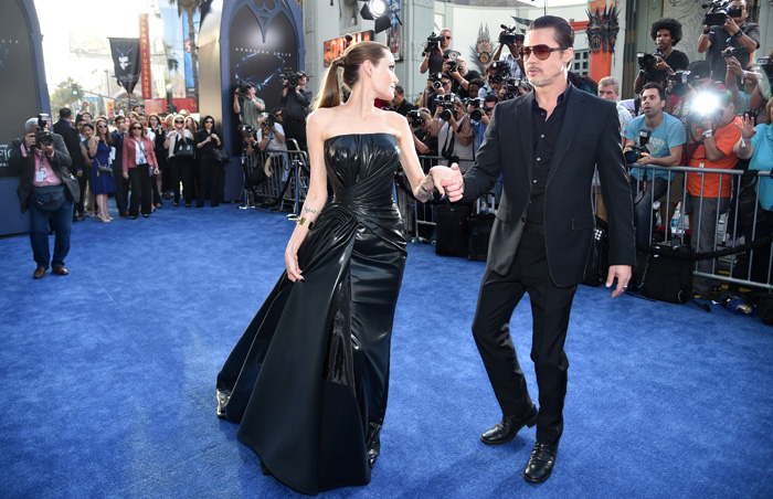 angelina-jolie-premiere-maleficent-hollywood-versace 4