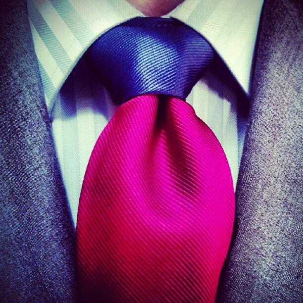 gravata-estilo-masculino-clássico-dramático
