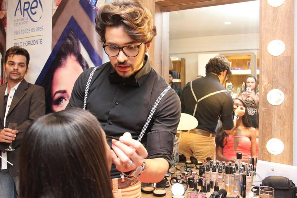 ares-perfumes-cosméticos-inauguração 1