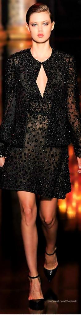 black-dress-vestido-preto-nada-básico-para-festas-de-fim-de-ano 11