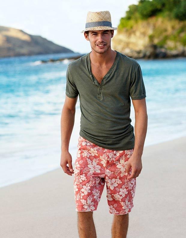 moda-masculina-bermuda-floral-para-homens