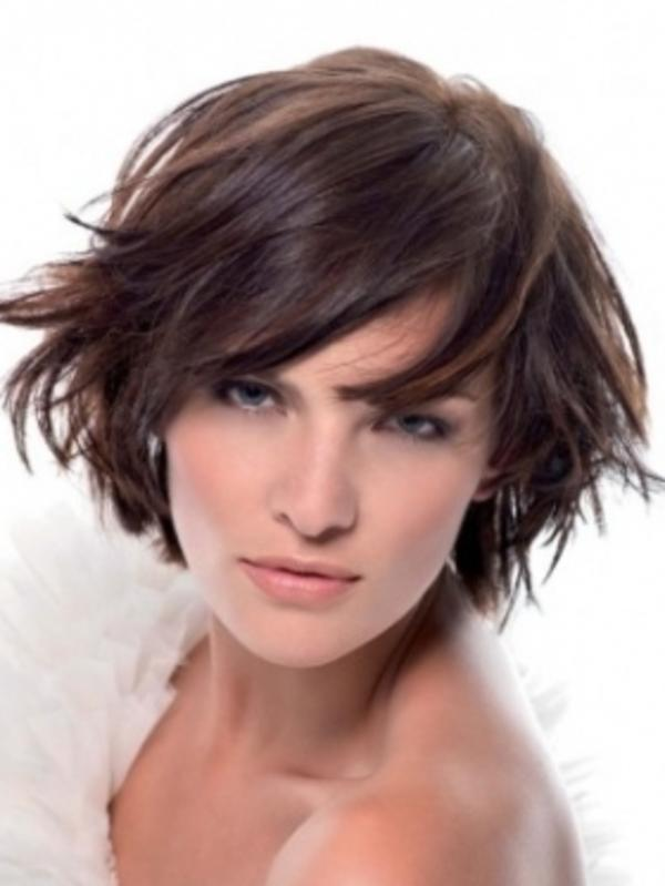 corte-para-cabelos-curtos-chanel-desconectado