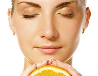 uso-tópico-de-vitamina-c-para-o-rosto-tratamentos-cosméticos-estéticos