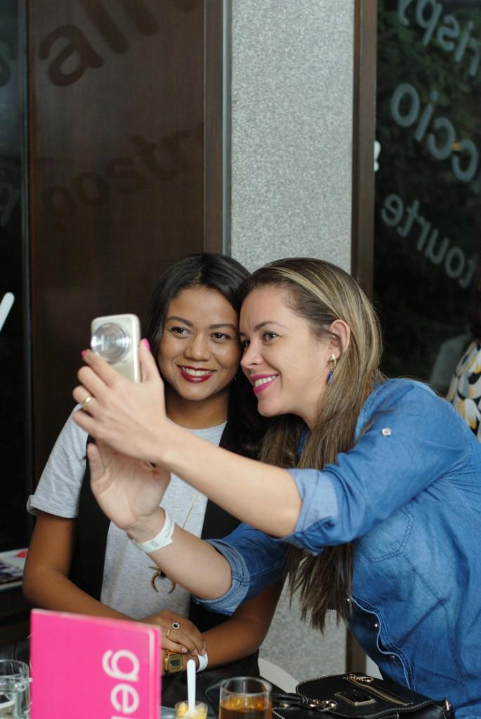 Renata e Uai Alessandra maquiagem online 1