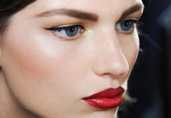 dicas-maquiagem-profissional-batom-vermelho-verão16-4