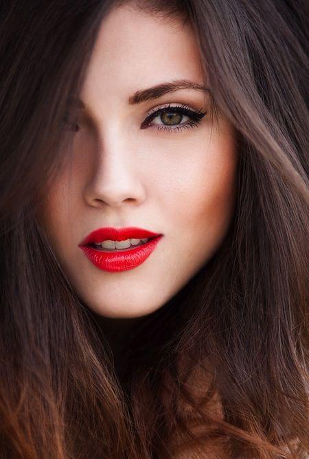 dicas-maquiagem-profissional-batom-vermelho-verão16-9