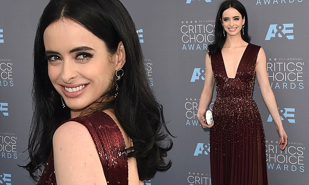 SANTA MONICA, CA - JANUARY 17: Actress Krysten Ritter attends the 21st Annual Critics' Choice Awards at Barker Hangar on January 17, 2016 in Santa Monica, California. (Photo by Jason Merritt/Getty Images)
