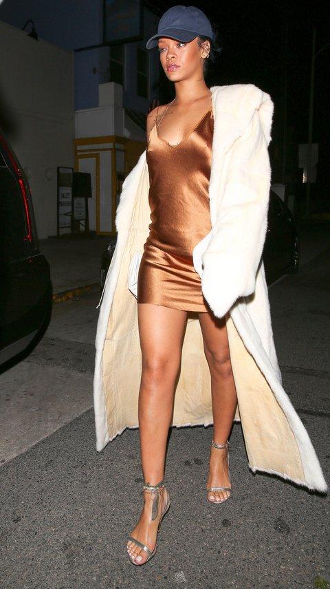 como_usar_slip_dress_no_street_style 3